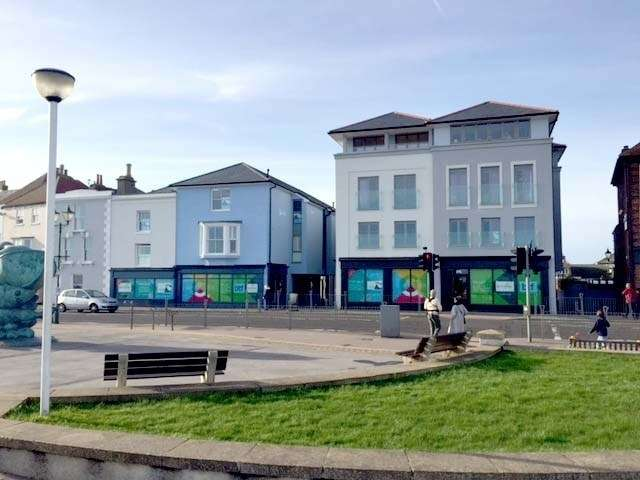 2 Bedrooms Flat for sale in Quarterdeck Apartment 1, Beach Street, Deal