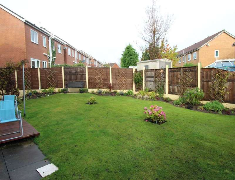 2 Bedrooms Flat for sale in Garswood Road, Bolton, BL3