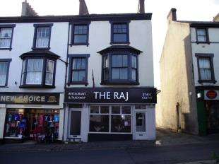 4 Bedrooms Flat for sale in Lancaster Square, Conwy, Conwy, LL32