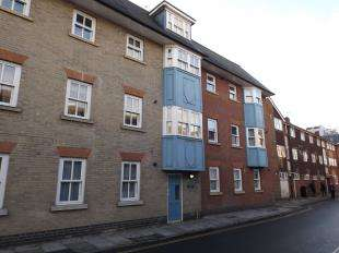 1 Bedroom Flat for sale in Salisbury, Wiltshire