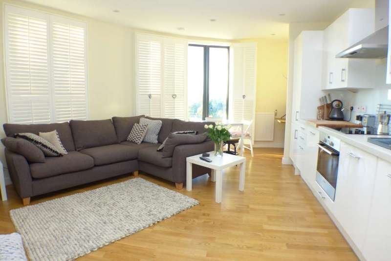 1 Bedroom Apartment Flat for sale in Station Road, Sidcup, DA15 7AP