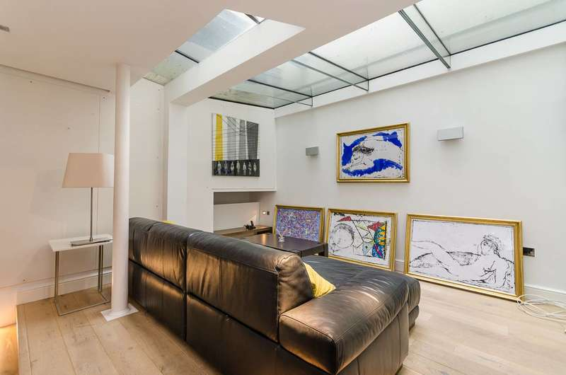 5 Bedrooms Maisonette Flat for sale in Chesham Place, Belgravia, SW1X