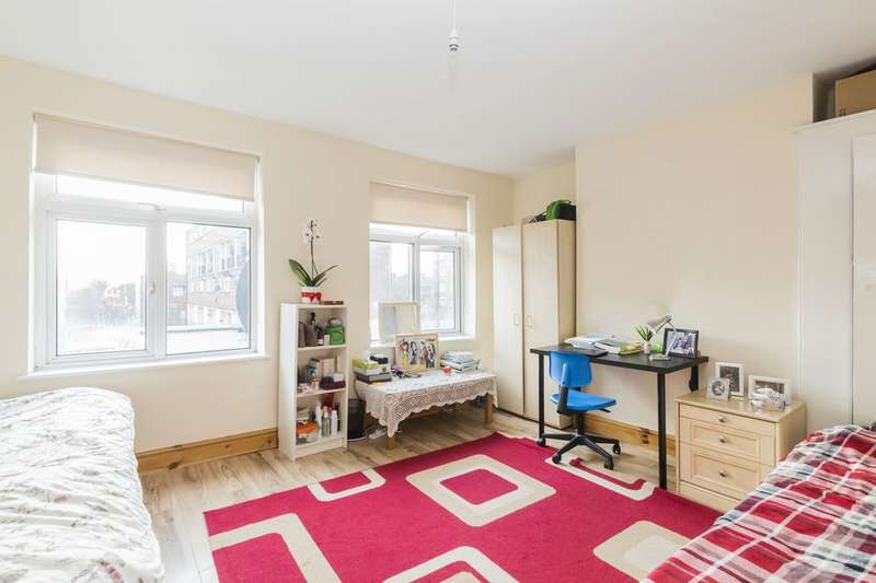 3 Bedrooms House for sale in Grange Road, Plaistow, E13