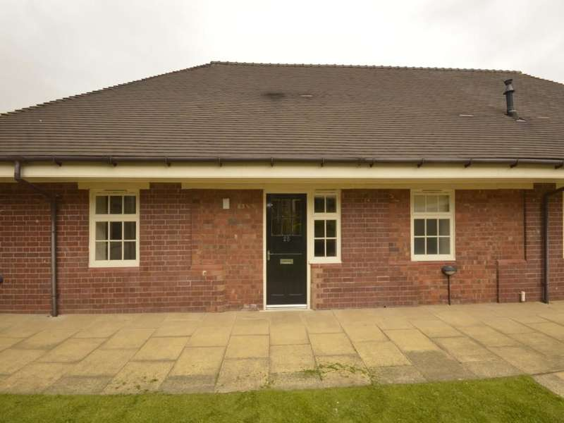 2 Bedrooms Semi Detached Bungalow for sale in Lowbridge Walk, Bilston, WV14