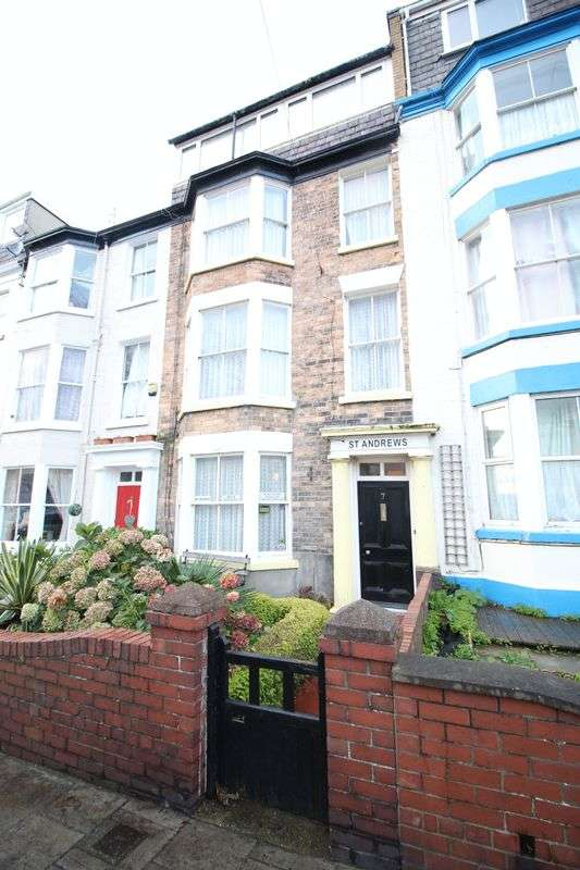 8 Bedrooms Property for sale in Trafalgar Square, Scarborough