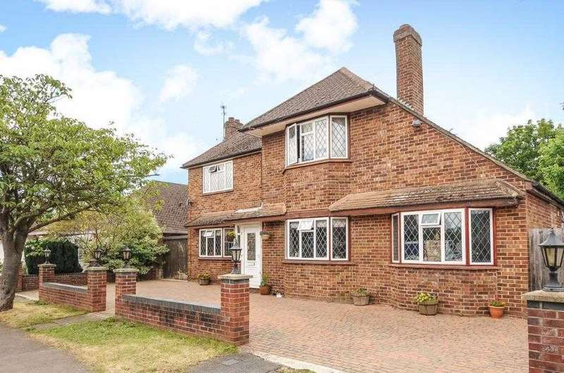 5 Bedrooms Detached House for sale in Midway Avenue, Thorpe