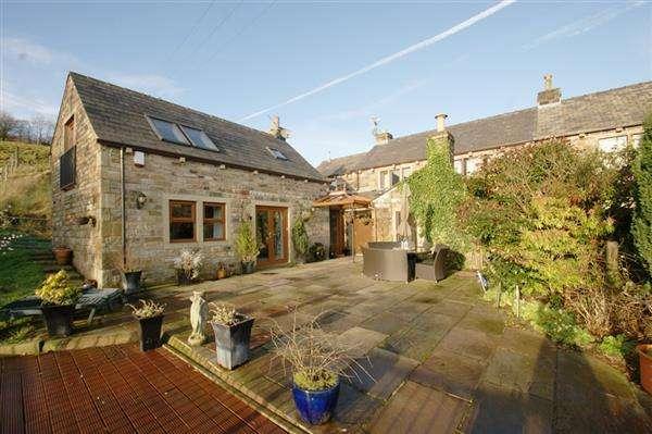 3 Bedrooms Semi Detached House for sale in Corbett Way, Denshaw