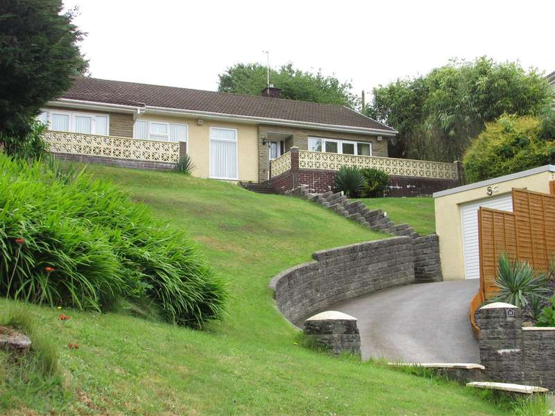 3 Bedrooms Bungalow for sale in 14 Woodview Terrace, Bryncoch, Neath