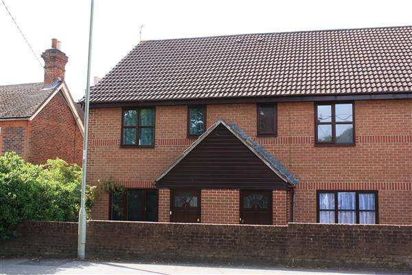 1 Bedroom Apartment Flat for sale in Alexandra Court, Bordon