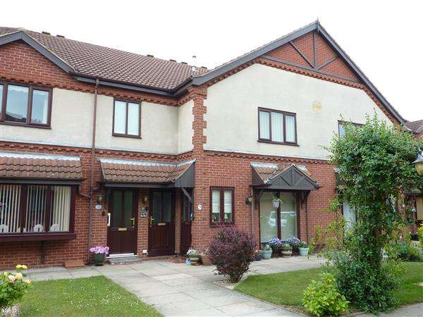 1 Bedroom Apartment Flat for sale in LILAC COURT, SCARTHO, GRIMSBY