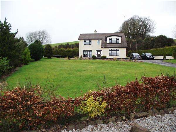 4 Bedrooms Detached House for sale in 34 Feddans Road