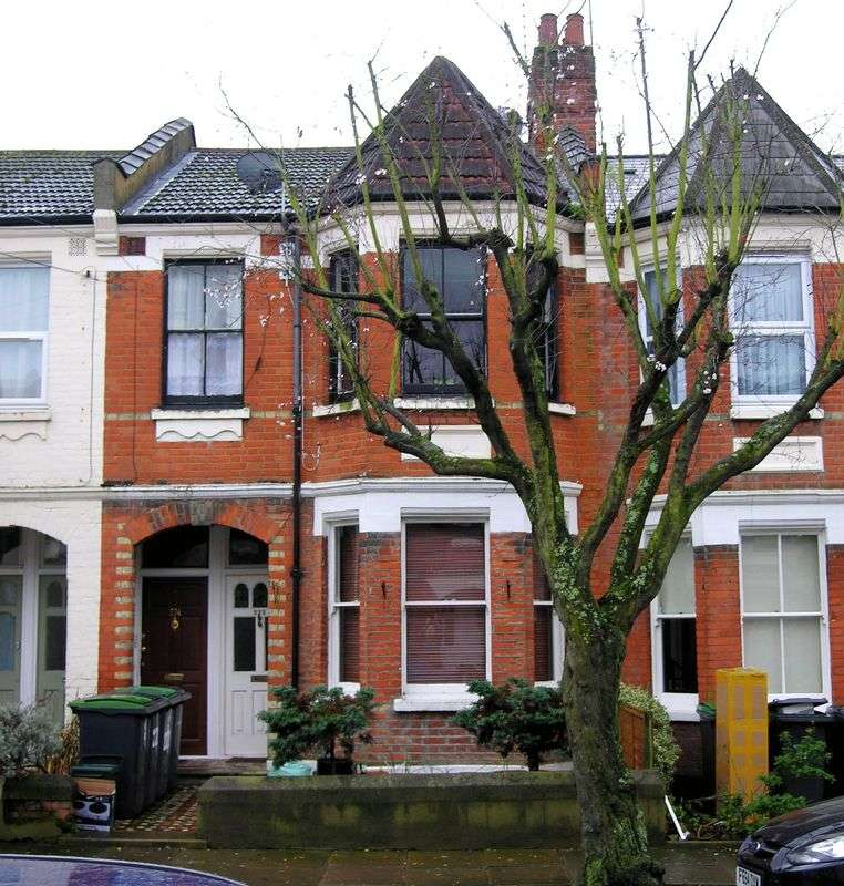 2 Bedrooms Property for sale in Wood Green, N22
