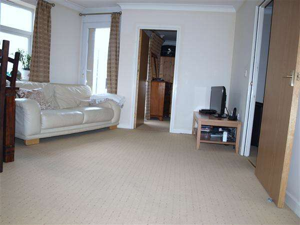 1 Bedroom Apartment Flat for sale in Rowan House, Holbrook Way, Swindon