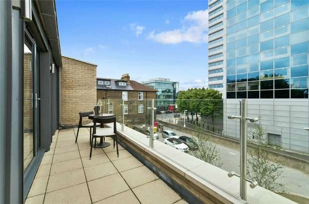4 Bedrooms End Of Terrace House for sale in The Crescent, Gunnersbury Mews, Chiswick
