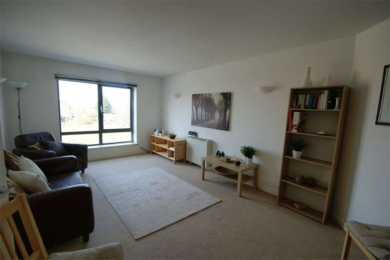2 Bedrooms Flat for sale in Upper Parliament St, Liverpool