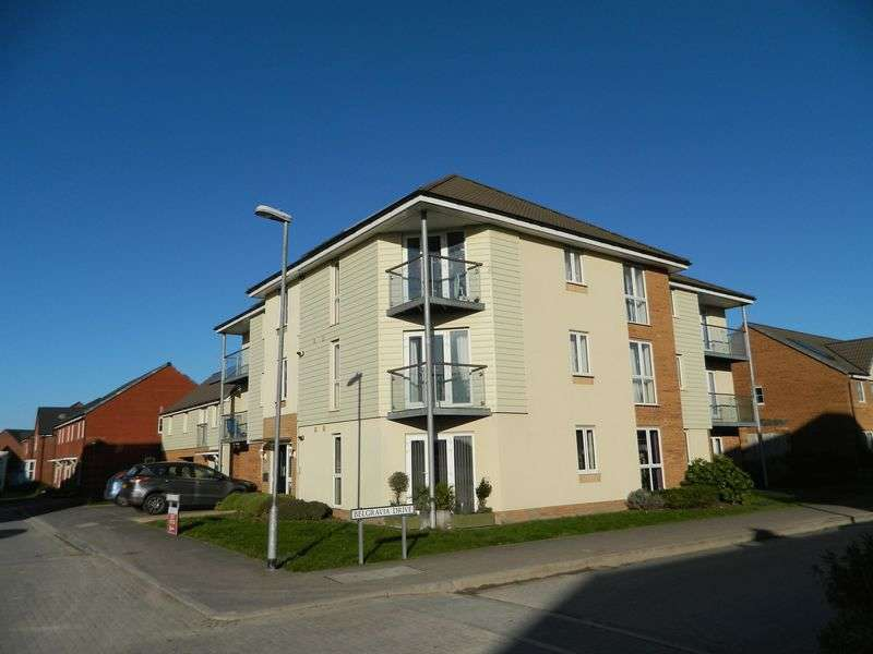 2 Bedrooms Flat for sale in Royal Drive, Bridgwater
