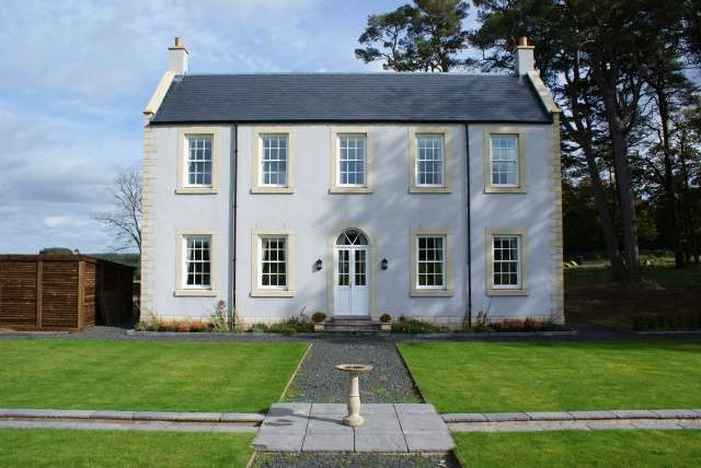 3 Bedrooms Detached House for sale in Lethamwood House, Lethem, Jedburgh, TD8 6PS