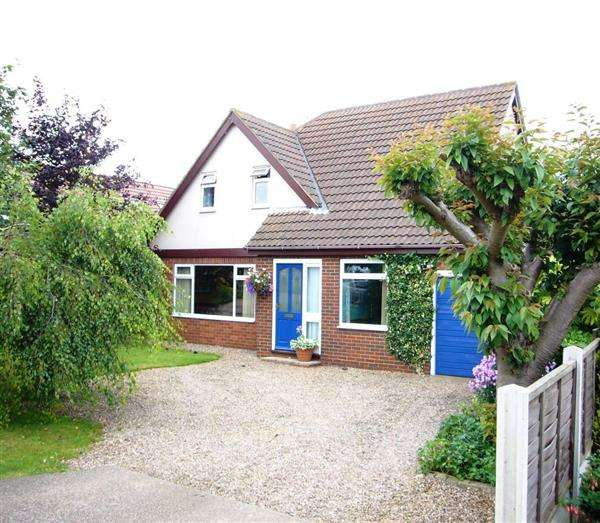 4 Bedrooms Detached House for sale in Thealby Lane, Scunthorpe