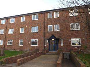 2 Bedrooms Flat for sale in River Drive, South Shields, Tyne and Wear, NE33