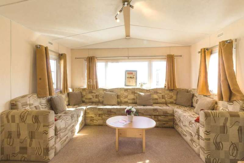 2 Bedrooms Caravan Mobile Home for sale in Great Yarmouth, Norfolk