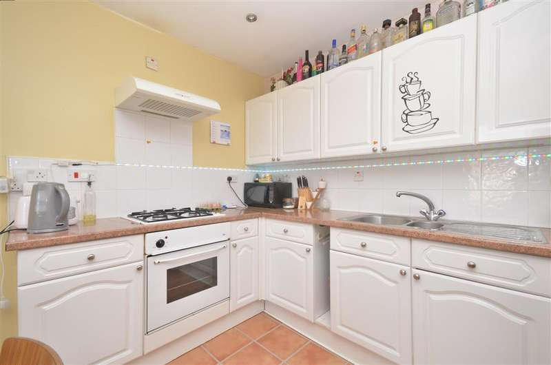 2 Bedrooms Flat for sale in Kingston Road, Portsmouth, Hampshire