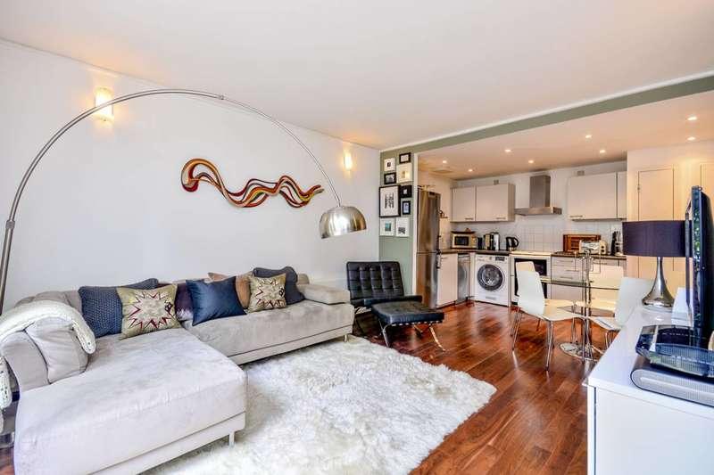 3 Bedrooms Maisonette Flat for sale in John Harrison Way, Greenwich, SE10