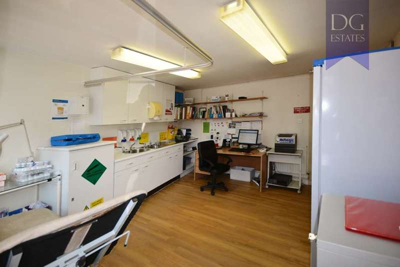 2 Bedrooms Commercial Property for sale in Lordship Lane, Wood Green