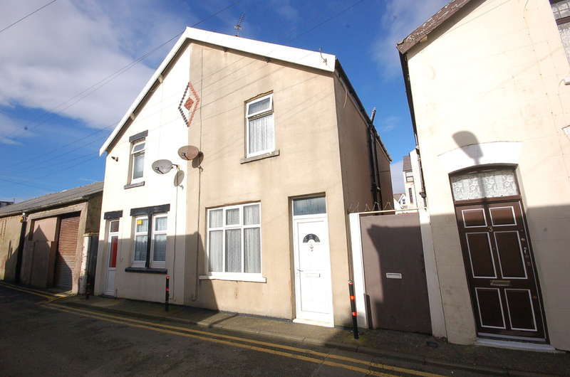 2 Bedrooms Semi Detached House for sale in Adrian Street, Blackpool