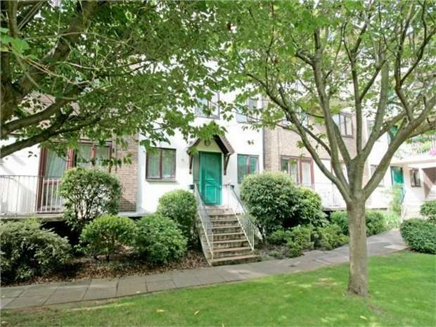 1 Bedroom Flat for sale in East Acton Lane, Acton
