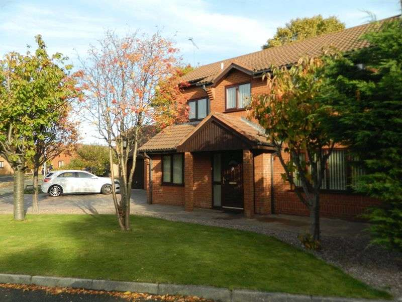 4 Bedrooms Detached House for sale in Grange Court, RHYL