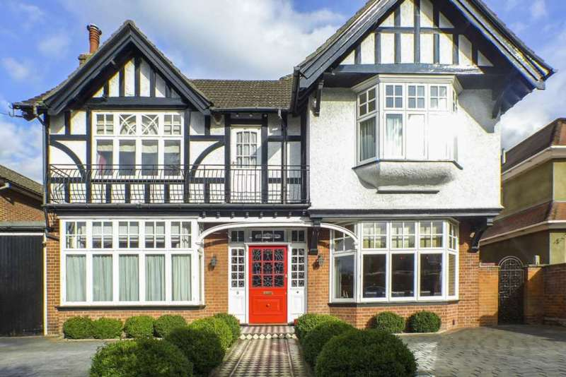 5 Bedrooms Detached House for sale in The Drive, Sidcup, DA14 4ER