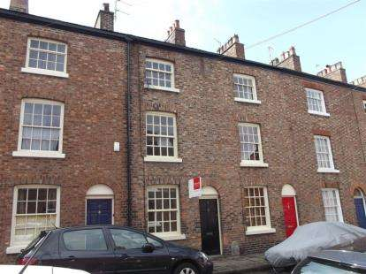 3 Bedrooms Terraced House for sale in St Georges Street, Macclesfield, Cheshire