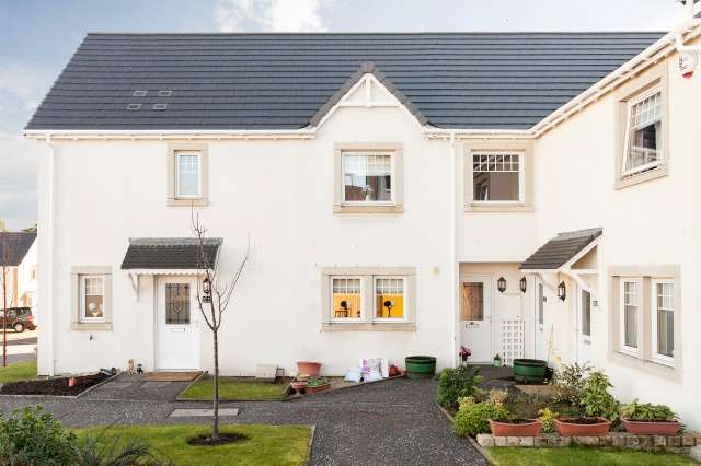 1 Bedroom Flat for sale in Hollybush Lane, By Langbank, Inverclyde, PA14 6QZ