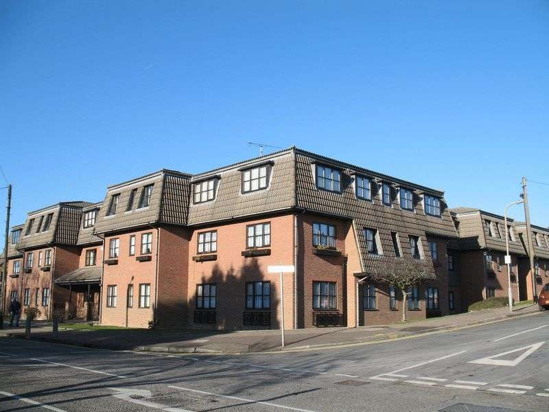 1 Bedroom Flat for sale in Rayleigh Road, Leigh-On-Sea