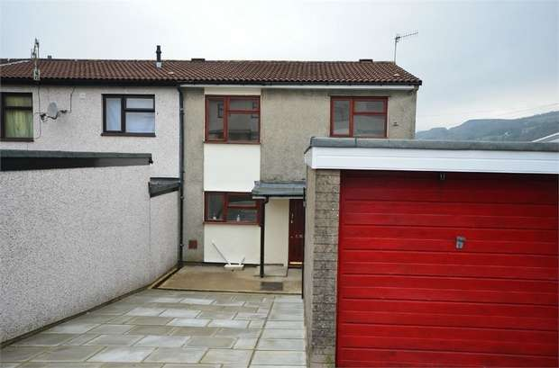 3 Bedrooms Semi Detached House for sale in Dickens Court, Machen, CAERPHILLY