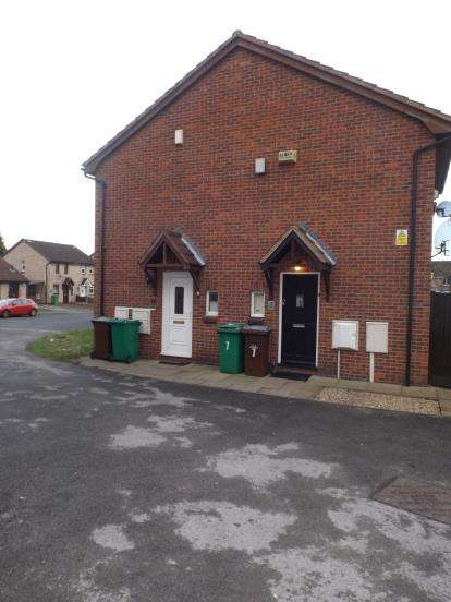 1 Bedroom Terraced House for sale in Birling Close, Sellers Woods, Nottinghamshire