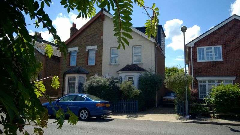 3 Bedrooms Cottage House for sale in Tolworth Road, Surbiton