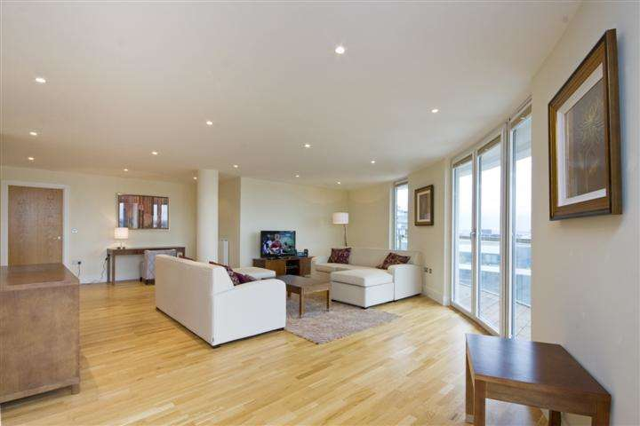 2 Bedrooms Flat for sale in Trinity Tower, 28 Quadrant Walk, Canary Wharf