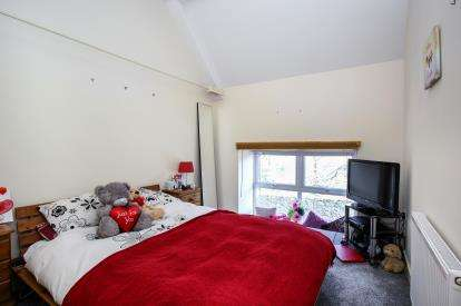 2 Bedrooms Terraced House for sale in Church Street, St. Blazey, Par
