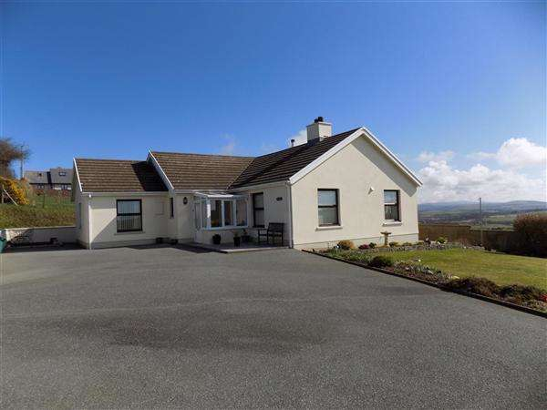 4 Bedrooms Bungalow for sale in Preseli View, Mathry, Haverfordwest