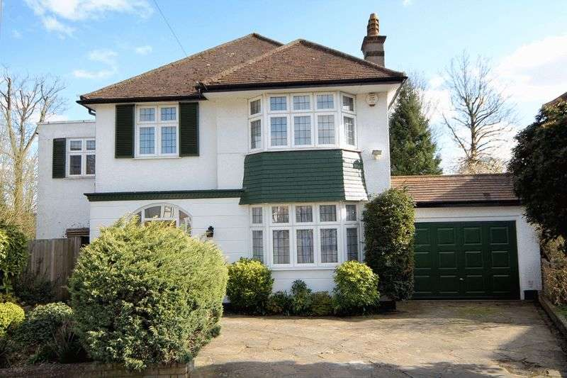 5 Bedrooms Detached House for sale in The Spinney, Stanmore