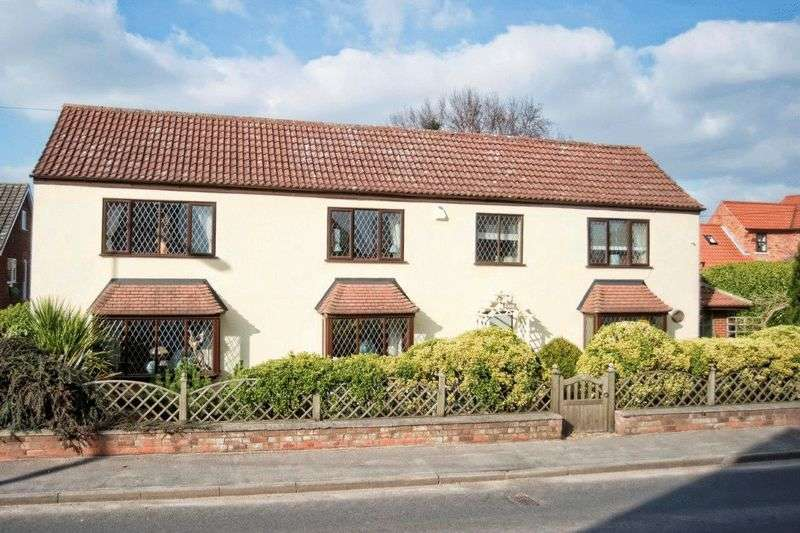 3 Bedrooms Detached House for sale in Low Street, Haxey, Doncaster, DN9