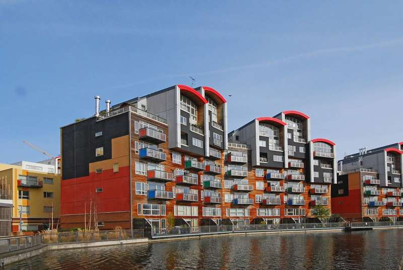 2 Bedrooms Flat for sale in Renaissance Walk, Greenwich Millennium Village, SE10