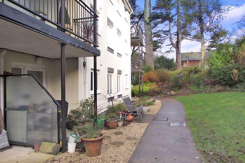 2 Bedrooms Retirement Property for sale in Manaton Court, Launceston, PL15 9DR