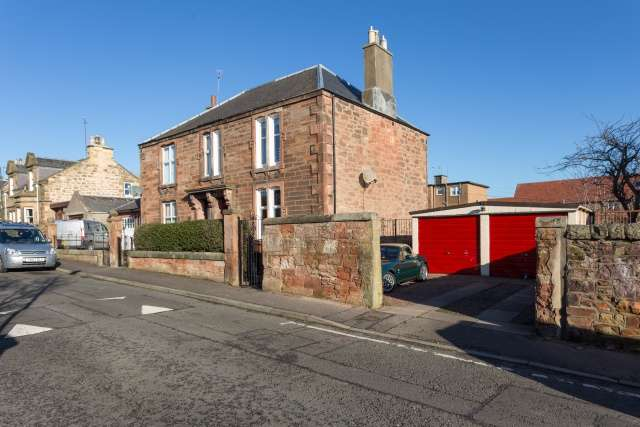 3 Bedrooms Semi Detached House for sale in Maryfield Place, Bonnyrigg, Midlothian, EH19 3BQ