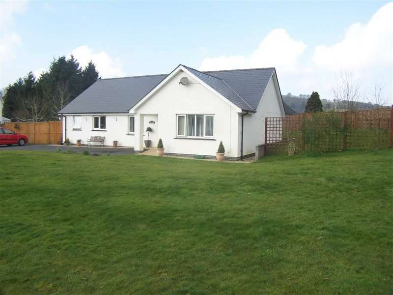 3 Bedrooms Property for sale in Llangybi, Lampeter