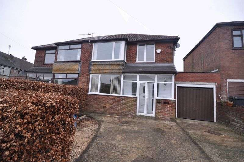 3 Bedrooms Semi Detached House for sale in St. Annes Crescent, Grasscroft
