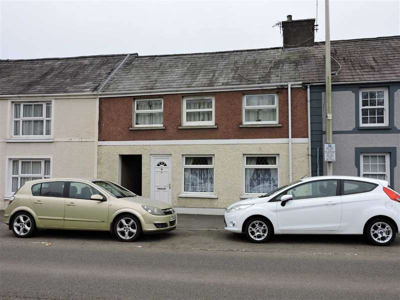 2 Bedrooms Flat for sale in Priory Street, Carmarthen