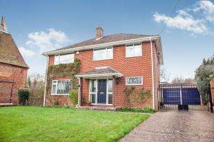 4 Bedrooms Detached House for sale in Plough Lane, Upper Harbledown, Canterbury, Kent