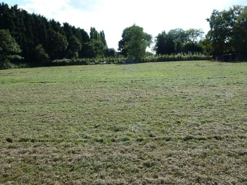 Land Commercial for sale in Common Lane, Lach Dennis